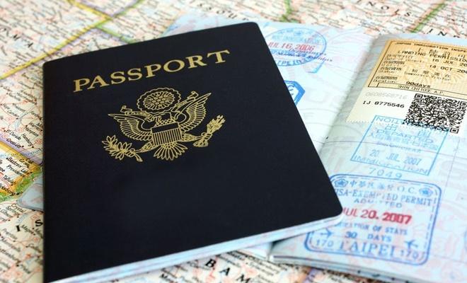 İran turist pasaportlarına mühür vurmayacak