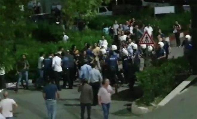 İki aile arasında bıçaklı kavga: 1 ölü, 2 yaralı