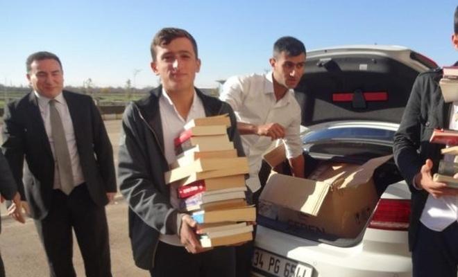 Okul kütüphanesi için 2 bin 500 kitap topladılar