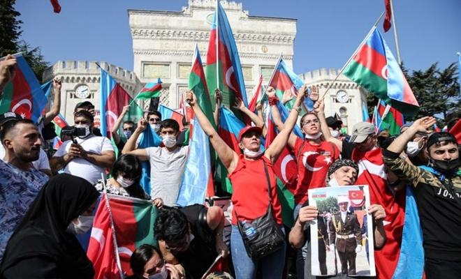 """İstanbul Beyazıt'ta """"iki devlet bir millet"""" gösterisi"""