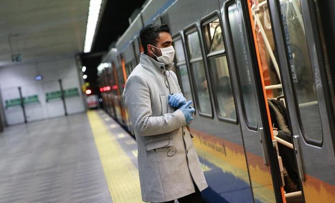 Koronavirüse karşı plastik eldiven kullanımı salgın riskini artırabilir