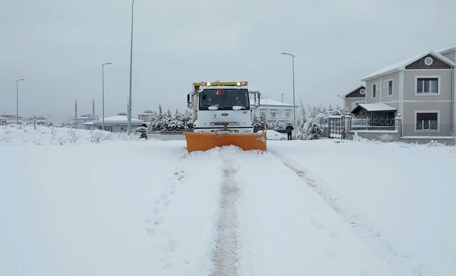Gaziantep'te kar yağışı sonrası başlatılan çalışmalar devam ediyor