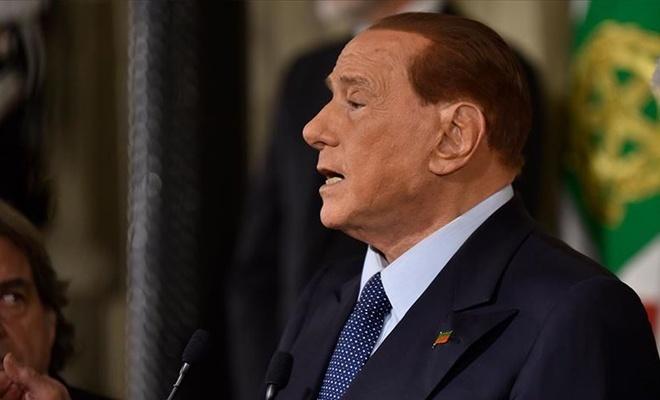 Berlusconi: Belki de AB, Türkiye'yi yeniden kazanmalı