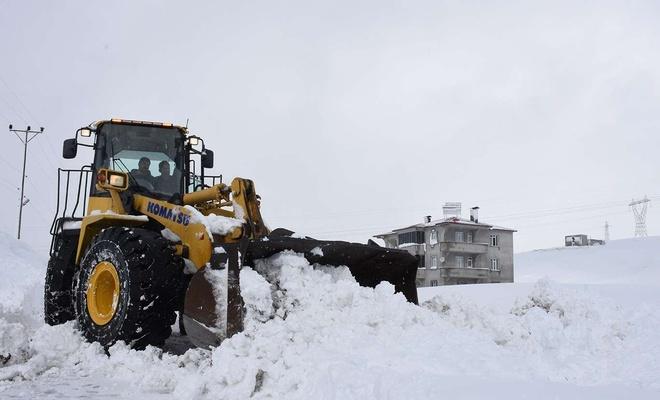 Bitlis'te 643 yerleşim biriminde karla mücadele çalışması başlatıldı