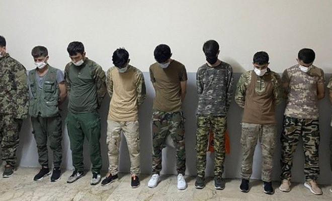 İstanbul'da askeri kıyafetle dolaşan 9 göçmen sınır dışı edilecek