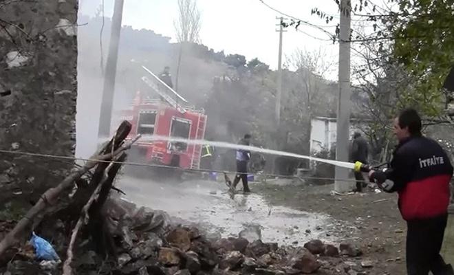 Çanakkale`de ev yangını: 1 ölü
