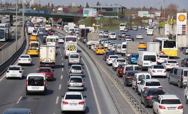 17 günlük tam kapanmaya saatler kala trafikte yoğunluk başladı