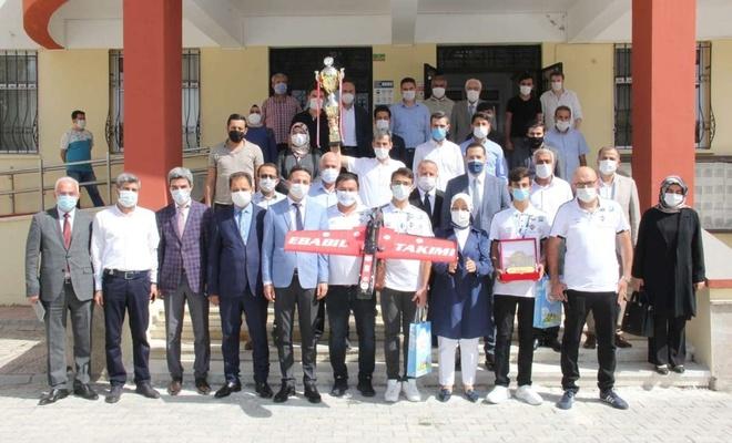 Hobi olarak başladılar, katıldıkları TEKNOFEST'te Türkiye 1'incisi oldular