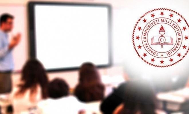 Tüm öğrencileri ilgilendiriyor! Bakanlıktan sınıf geçmeyle ilgili önemli açıklama