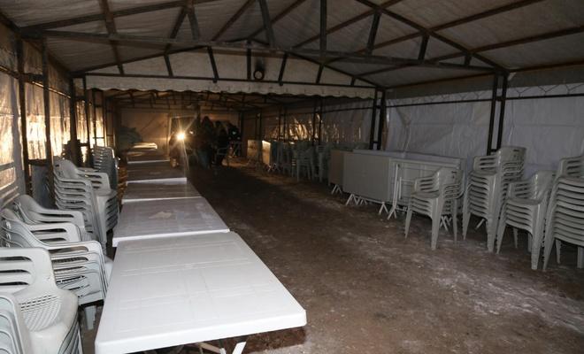 Depremde hayatını kaybedenler için taziye çadırı kuruldu