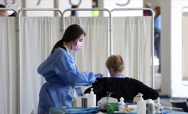 İngiltere, iki doz aşı yapan AB ve ABD vatandaşlarına karantinayı kaldırıyor