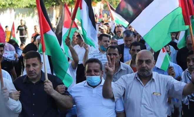 """Yahudi yerleşimcilerin """"Bayrak Yürüyüşü""""ne Filistinlilerden tepki"""