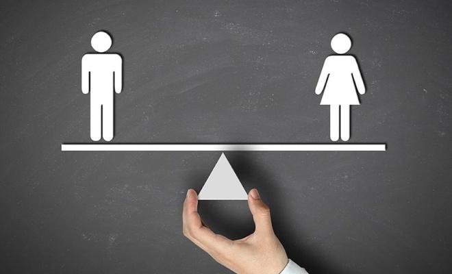 Araştırma: Kadınlar mı erkekler mi  daha adil ve özenli ?
