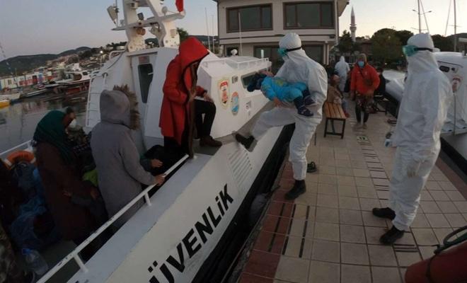 Muğla ve Çanakkale açıklarında 65 düzensiz göçmen kurtarıldı