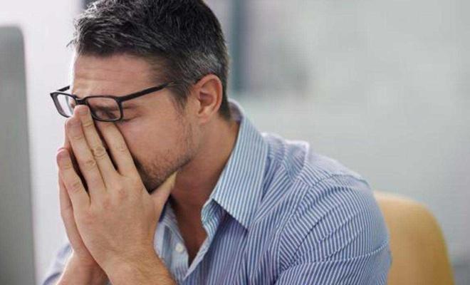 """Psikiyatristlerden uyarı: Evham sandığınız durum yaygın """"kaygı bozukluğu"""" olabilir"""