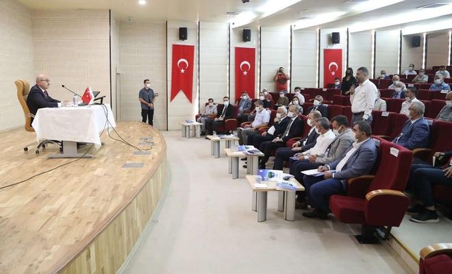Mardin Valisi Demirtaş STK temsilcilerine bir yıllık faaliyetlerini anlattı