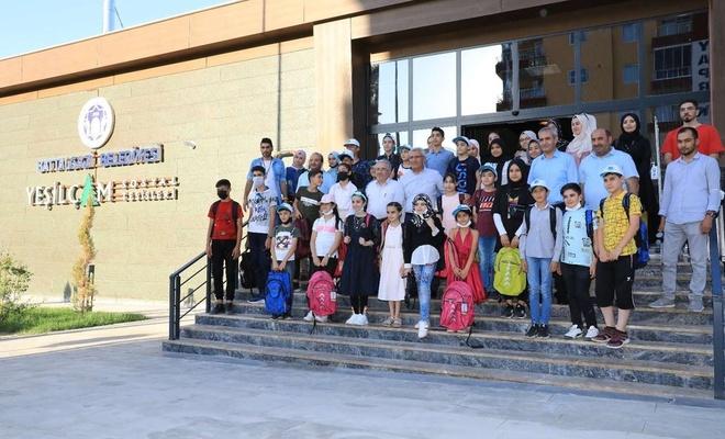 Mülteci çocuklar Malatya'daki tarihi mekanları gezdi