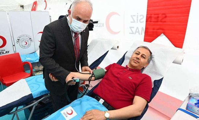 İstanbul'un 39 ilçesinde eş zamanlı kan bağışı etkinliği düzenlendi