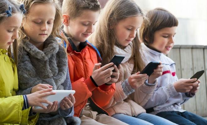 Anne babalar dikkat! Telefon bağımlılığı ve kurtulma yolları