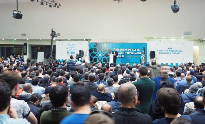 """""""Aileden Devlete İslâmi Toplumun İnşası"""" konulu konferans düzenlendi"""