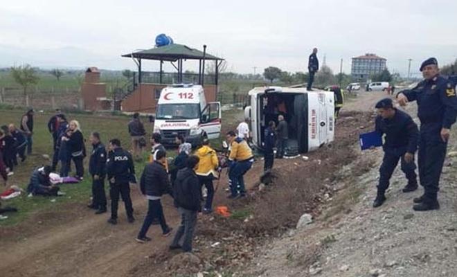 Öğrencileri taşıyan tur otobüsü devrildi!