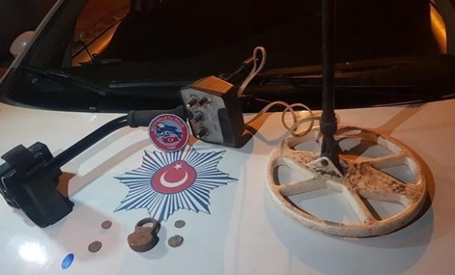 Bursa'da durdurulan otomobilden tarihi sikkeler çıktı