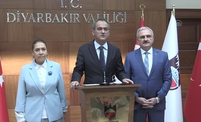 Milli Eğitim Bakanı Özer Diyarbakır'da! Yüz yüze eğitimde son durum!