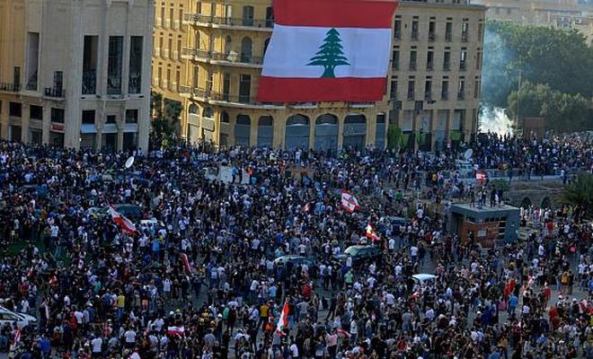 Lübnan hükümeti istifasını sundu!