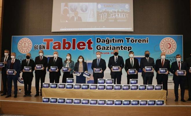 Gaziantep'te öğrencilere ücretiz tablet dağıtımı başladı