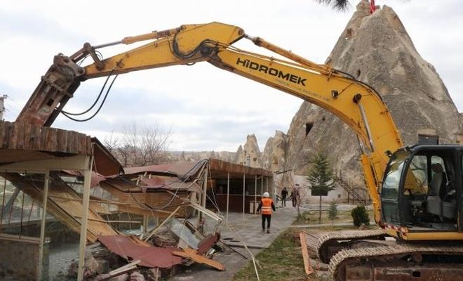 Kapadokya'daki kaçak yapılar yıkılıyor