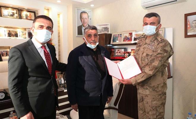 Siirt Valisi Hacıbektaşoğlu'ndan Gara'da katledilen Er Sungur'un ailesine ziyaret