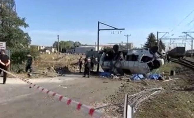 6 dead, 6 injured after train collides with van in northwestern Turkey