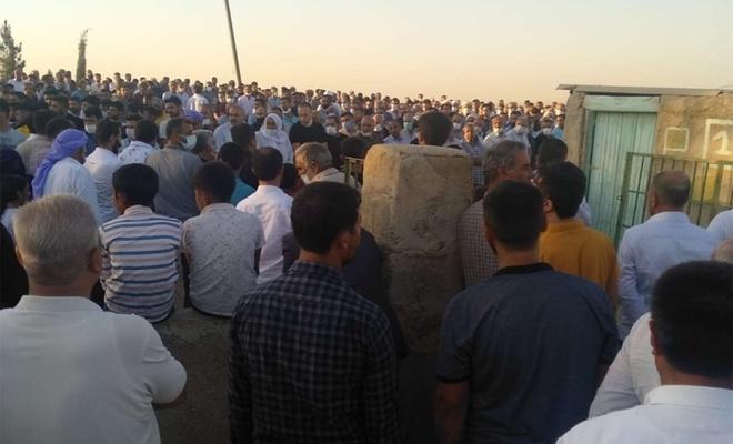 Şanlıurfa'daki kavgada vefat eden baba ile iki oğlu toprağa verildi