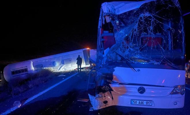 Öğrencileri taşıyan iki otobüs kaza yaptı 44 yaralı