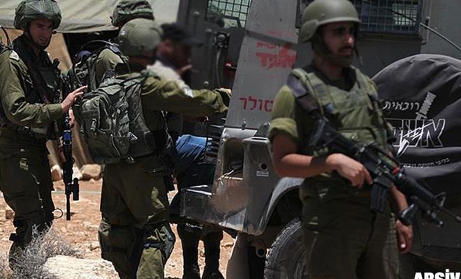 Terörist israil  11 Filistinliyi gözaltına aldı