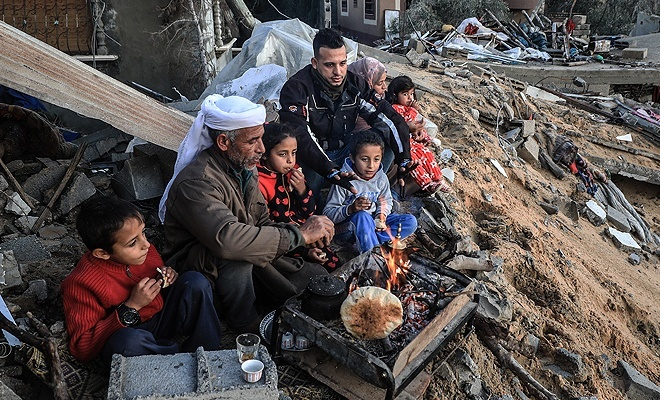 İşgal çetesinin evini yıktığı Ebu Amra: Kimsi bizi görmüyor