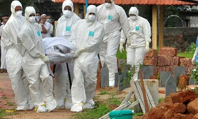 Hindistan`da ölüm virüsü yayılıyor