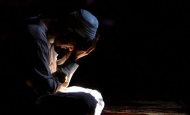 """""""Allah`a hakkıyla yönelmek için bu gece bir fırsattır"""""""