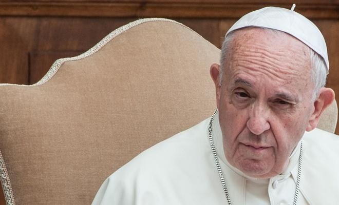 Papa: Lübnan kendi haline terk edilemez