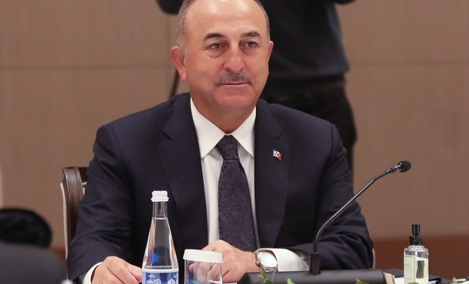 Bakan Çavuşoğlu'ndan Rusya'nın uçuş sınırlamasına açıklama!