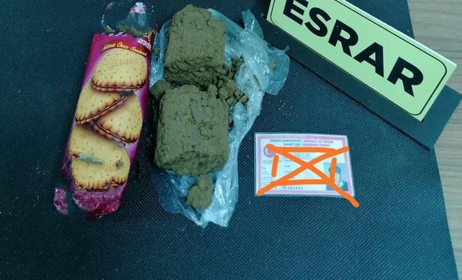 Uyuşturucuyu bisküvi içerisine gizleyen şahıslar yakayı ele verdi