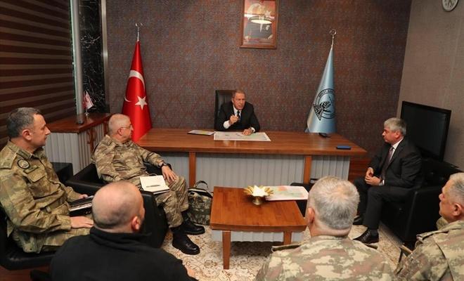 Bakan Akar İdlib'de alınan tedbirleri inceledi