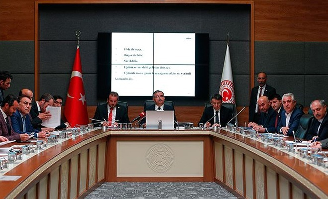 Yeni askerlik sistemi teklifi komisyonda kabul edildi... İşte yeni sistemin  tüm ayrıntıları
