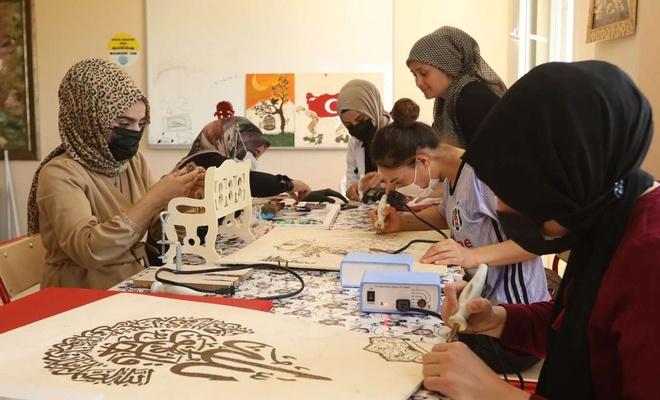 Van'ın İpekyolu Belediyesi ücretsiz kurslarına devam ediyor