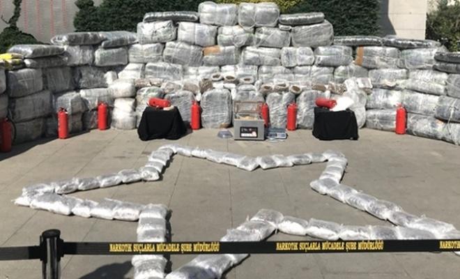 İstanbul'da 1 ton 881 kilo uyuşturucu ele geçirildi!