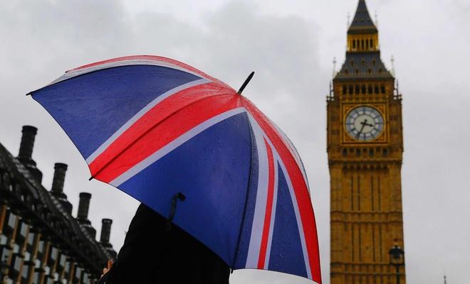 İngiltere hizmet sektörü çakıldı