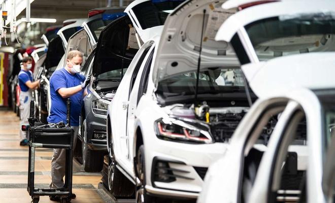 Alman otomotiv endüstrisinde toparlanma durdu