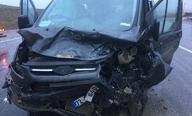 İşçileri taşıyan minibüs pikap ile çarpıştı: 6 yaralı
