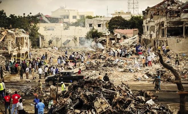 Somali'de düzenlenen bombalı saldırıda 10 kişi hayatını kaybetti