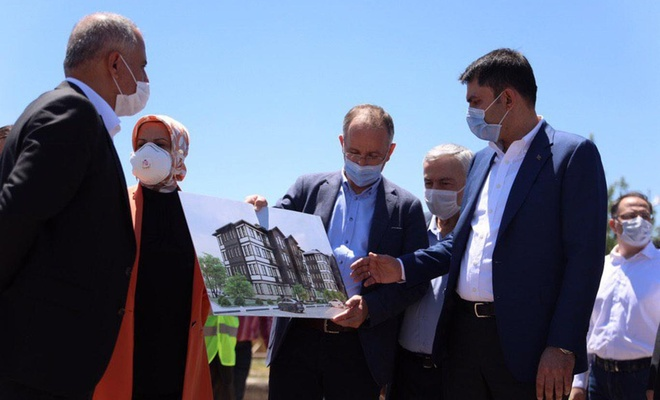 """Bakan Kurum: """"Elazığ'daki konutlar bir yıl içerisinde teslim edilecek"""""""